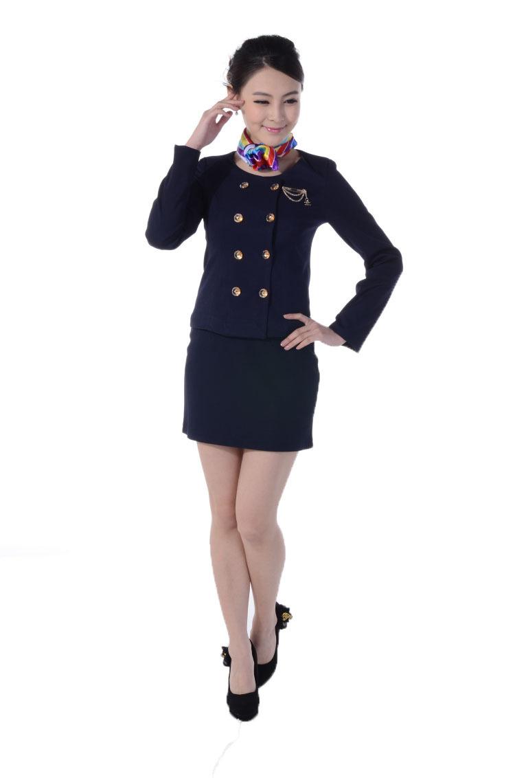 Thiết kế đồng phục lễ tân khách sạn truyền thống