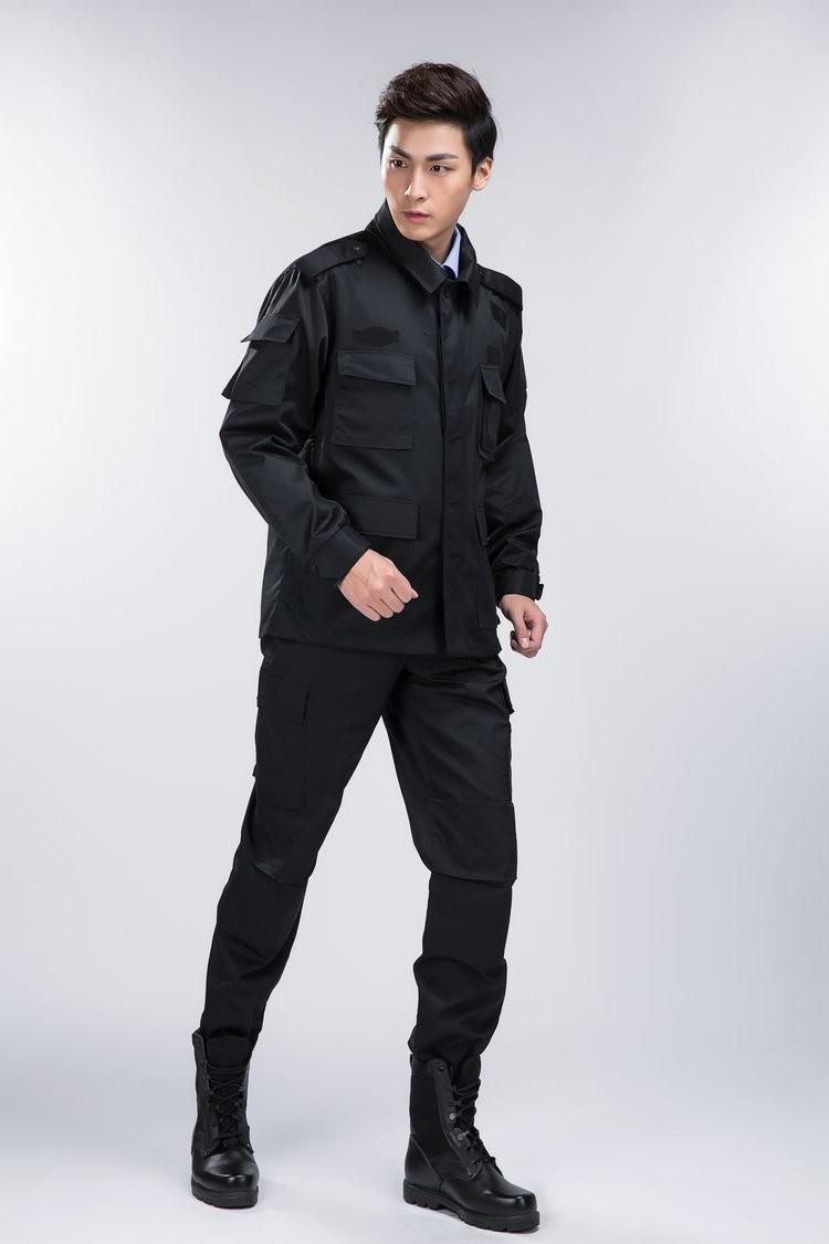 Quần áo bảo vệ có nhiều túi tiện dụng