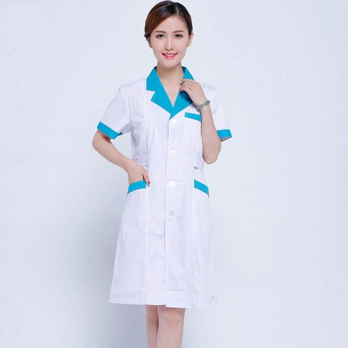 Áo đồng phục cho điều dưỡng hoặc sinh viên trường y
