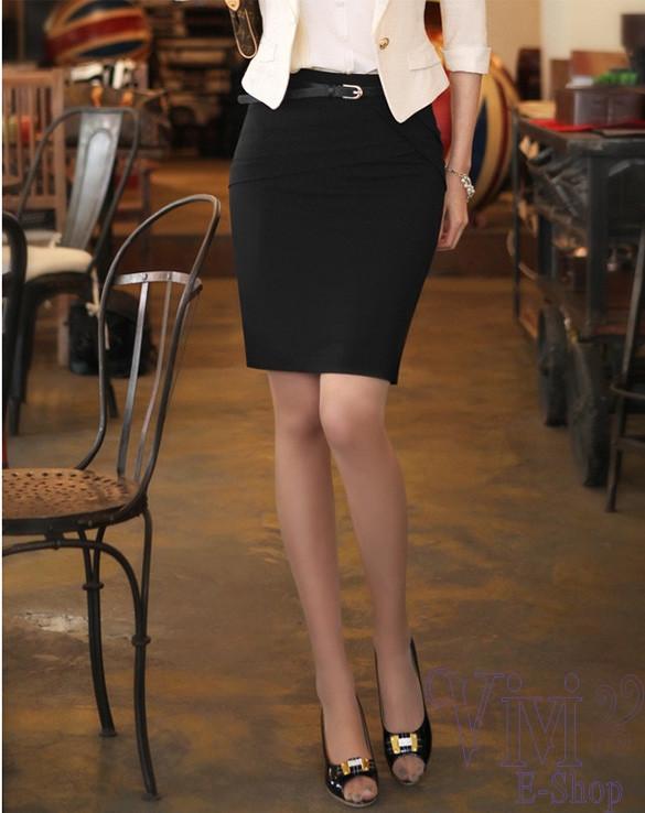 Chỉ cần một đôi chân thẳng, với dầy cao gót và váy bút chì đen xoẹt tông giúp bạn trở lên quyễn rũ hơn bao giờ.