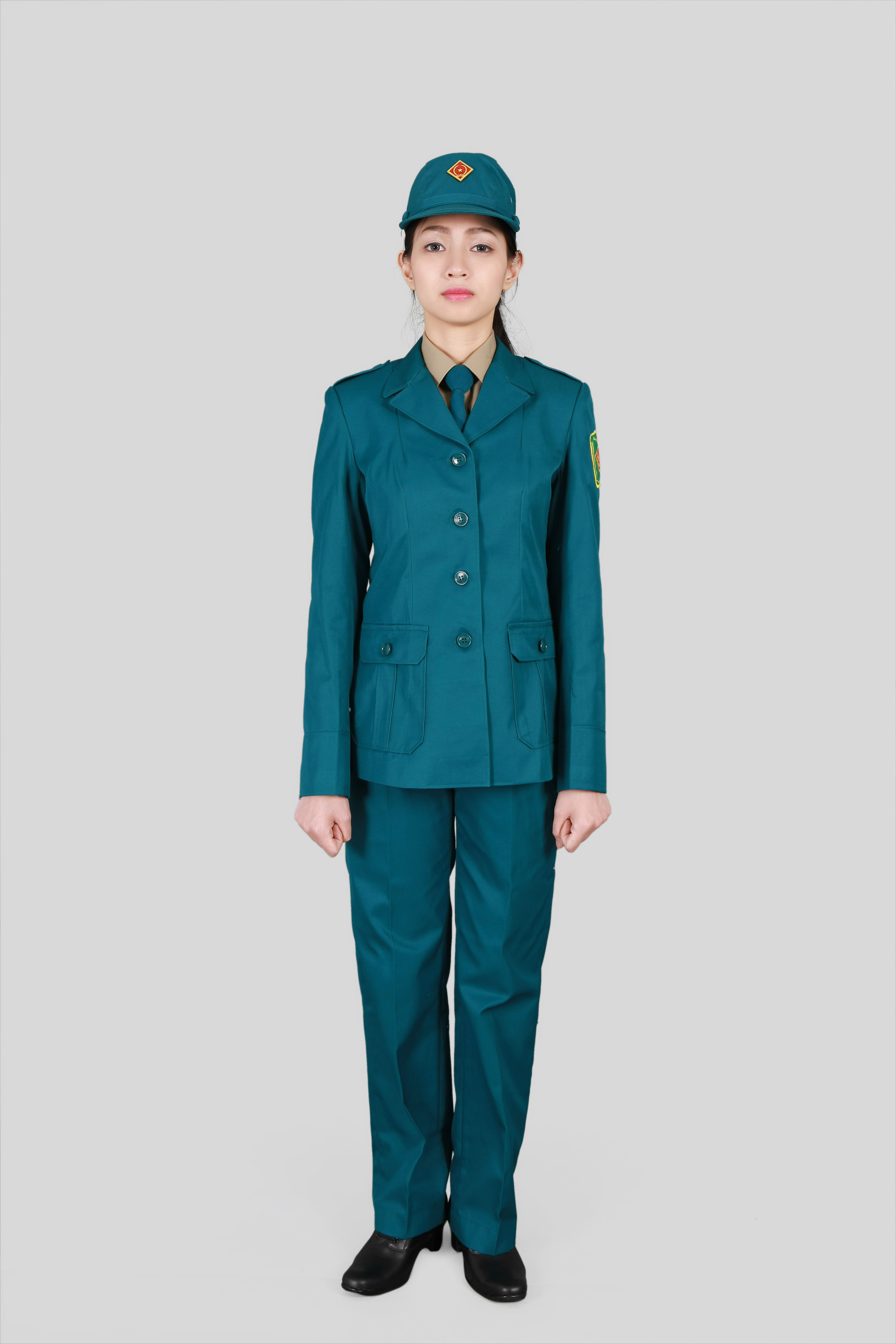Đồng phục dân quân tự vệ nữ