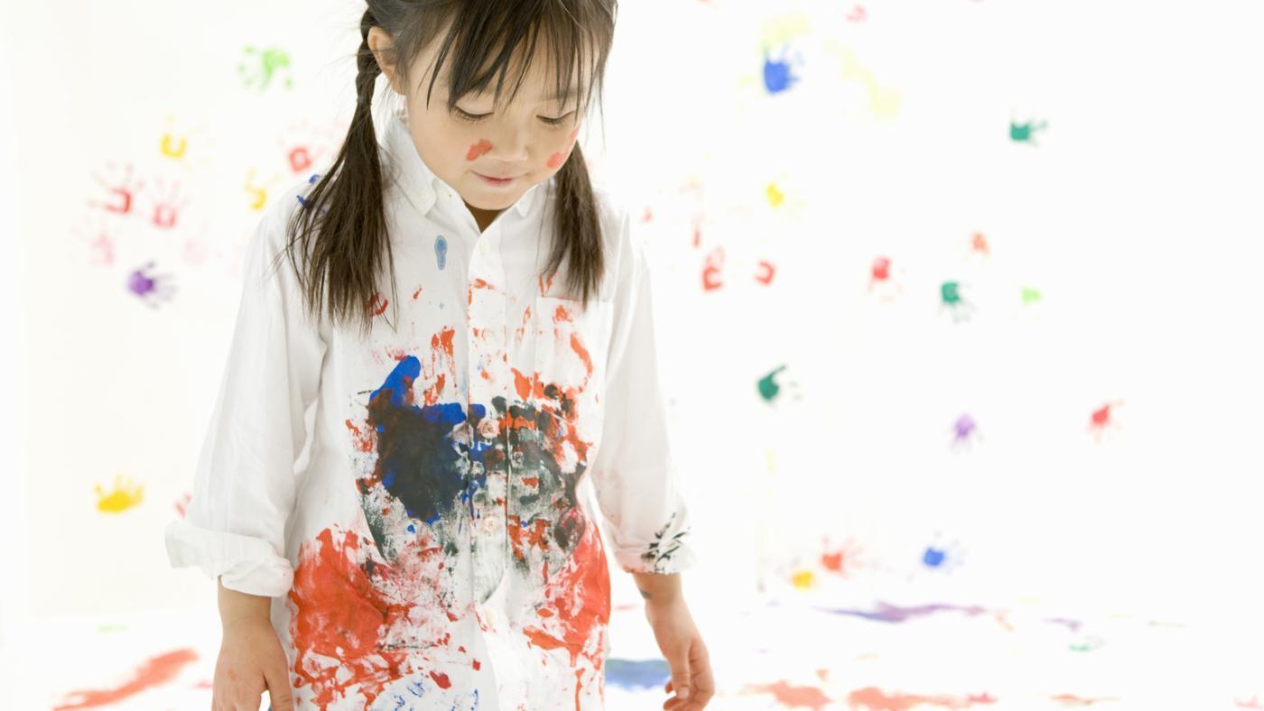 Cách tẩy vết bẩn trên quần áo là sơn, mực in.