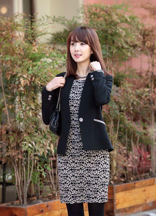 Áo vest là mẫu áo rất dễ dàng kết hợp cùng các trang phục khác như quần tây, áo sơ mi, chân váy, váy liền9