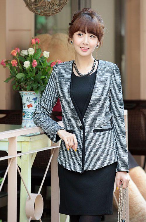 Áo vest là mẫu áo rất dễ dàng kết hợp cùng các trang phục khác như quần tây, áo sơ mi, chân váy, váy liền6