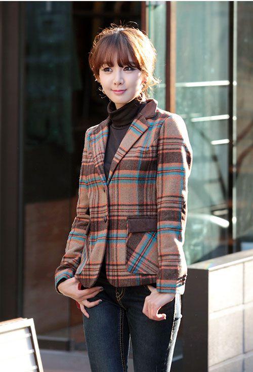 áo vest ngày nay rất đa dạng có thể màu đen, vàng, tím, đỏ, sọc thậm chí là hoa văn 2