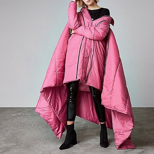 Áo khoác hàng hiệu hay chiếc chăn di động.