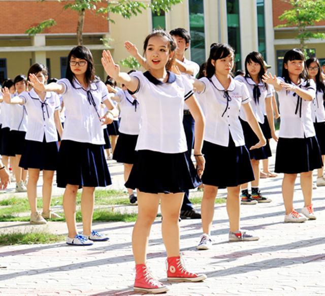 Đồng phục học sinh đẹp, giá rẻ tại Hà Nội