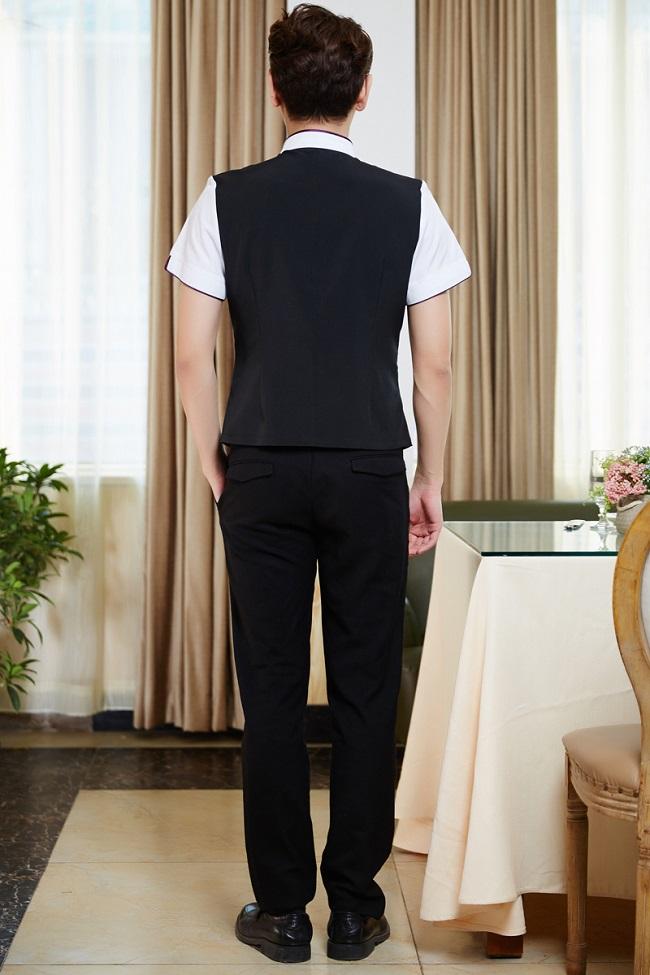 Đồng phục lễ tân ngành khách sạn – nhà hàng, mặc thế nào cho phù hợp?