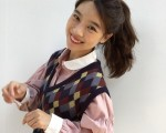 Cô nàng sành điệu trong nắng thu với áo gile len mượn của bà- Ảnh 7