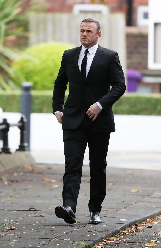 Sau buổi làm việc công ích vào buổi sáng, Rooney nhanh chóng có mặt ở nhà người bạn quá cố, Freddy Shepherd.
