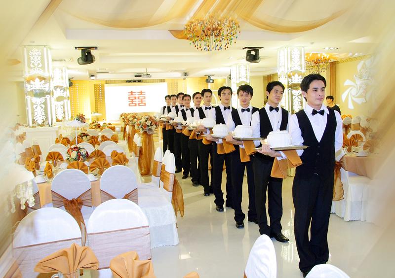Đồng phục nhân viên phục vụ nhà hàng - khách sạn