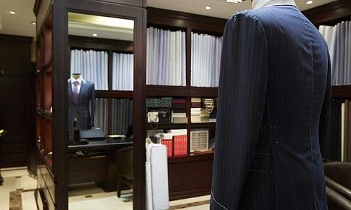 Luông lựa chọn chất liệu cao cấp nếu muốn có một bộ vest đẹp.