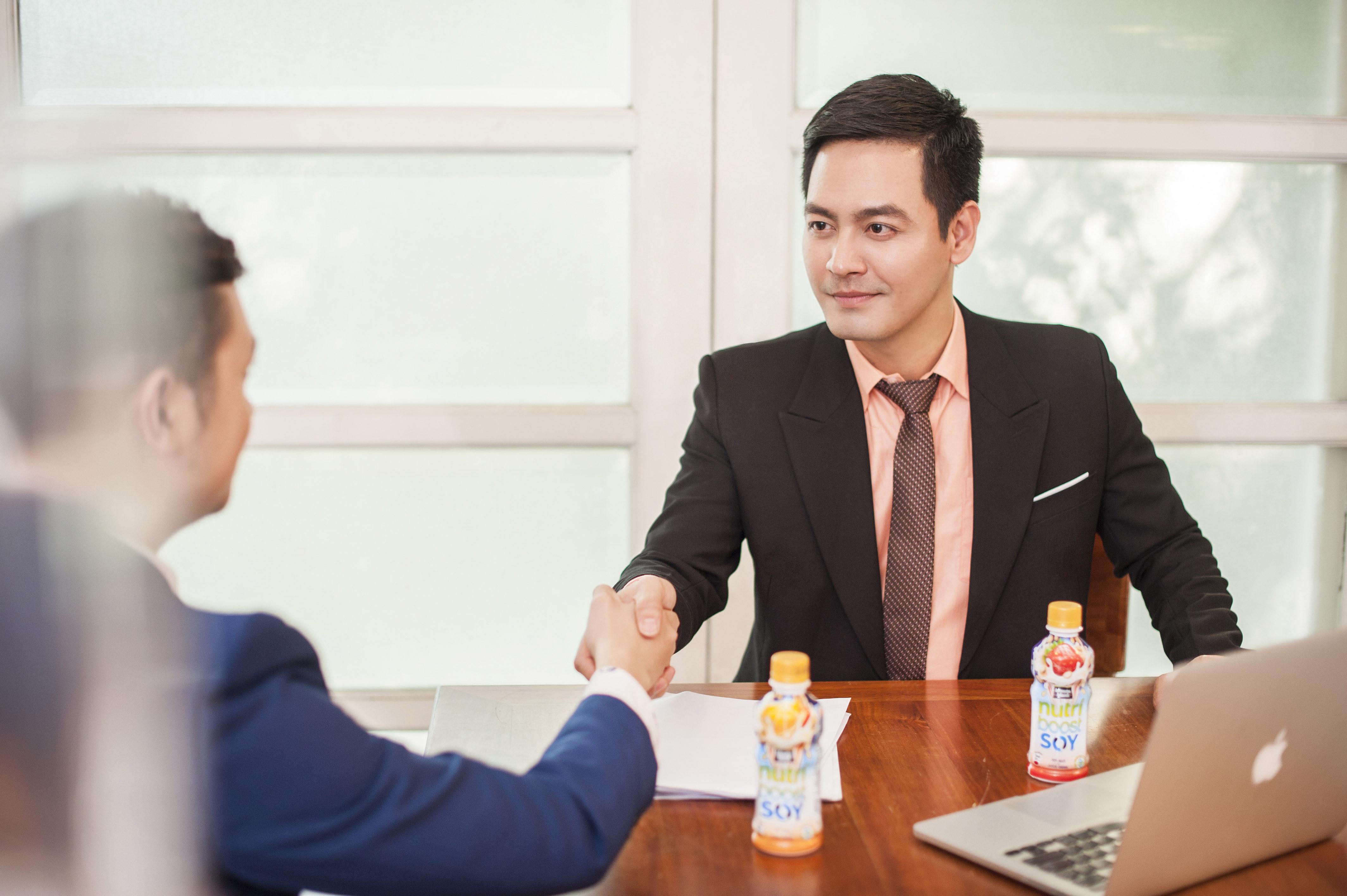 Chẳng một ai thấy vui vẻ hay thoải mái bắt chuyện, trao đổi công việc hoặc yêu một người gặp vấn đề về mùi cơ thể.
