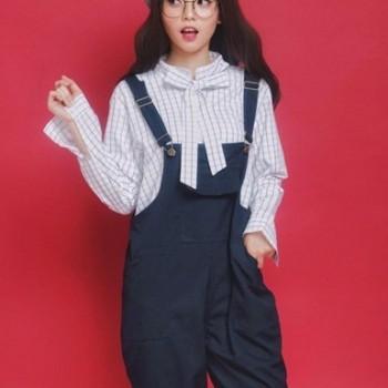 quần yếm có thể sử dụng làm đồng phục cho nhân viên phục vụ bàn rất đẹp