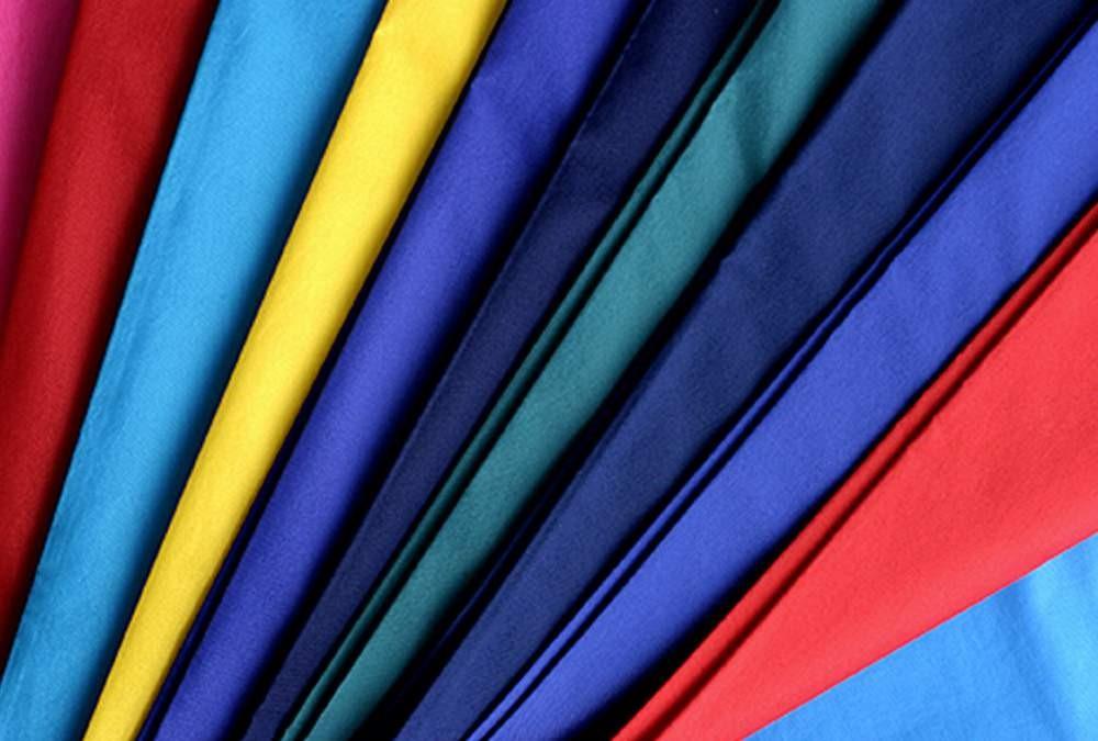 vải gió siêu nhẹ (micro polyeste) phù hợp để may áo khoác gió