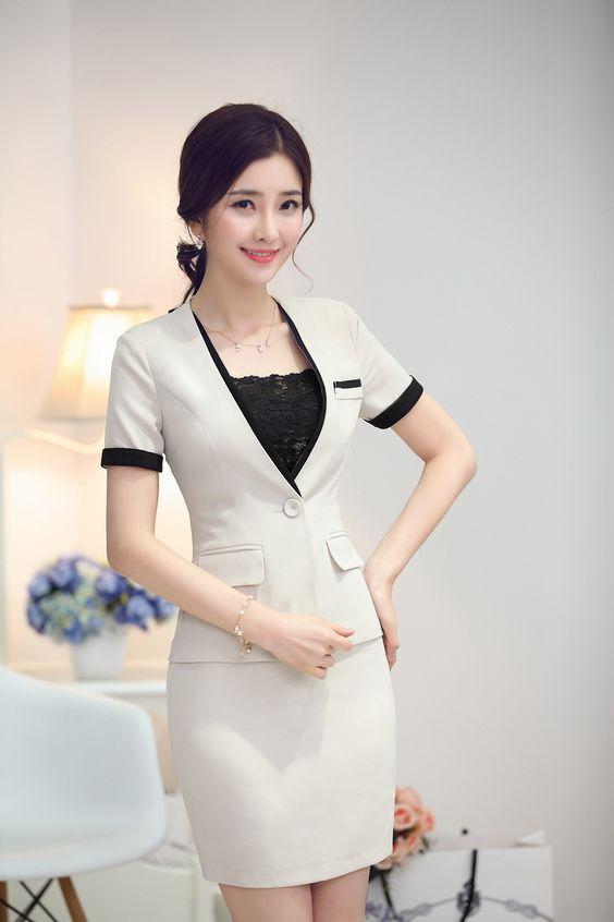 Những chiếc áo vest công sở nữ mầu be luôn là sự lựa chọn tốt nhất cho những cô nàng da nâu.