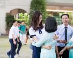 Á hậu Thùy Dung tinh khôi trong đồng phục học sinh9