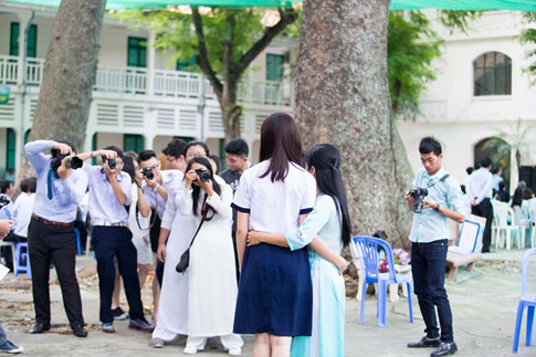Á hậu Thùy Dung tinh khôi trong đồng phục học sinh10