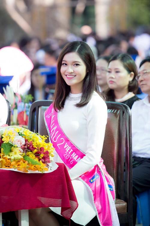 Dù chỉ dừng chân ở Á hậu 2 nhưng hình ảnh của Thùy Dung tại cuộc thi Hoa hậu Việt Nam nhận được nhiều sự yêu mến