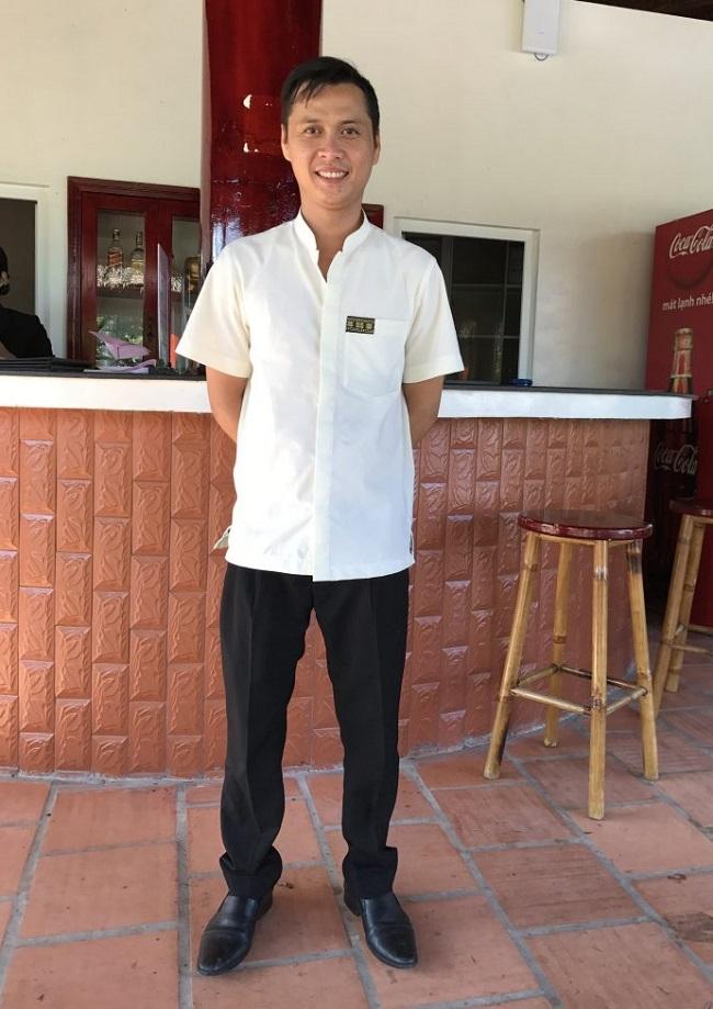 Đồng phục nhà hàng khách sạn Mường Thanh.