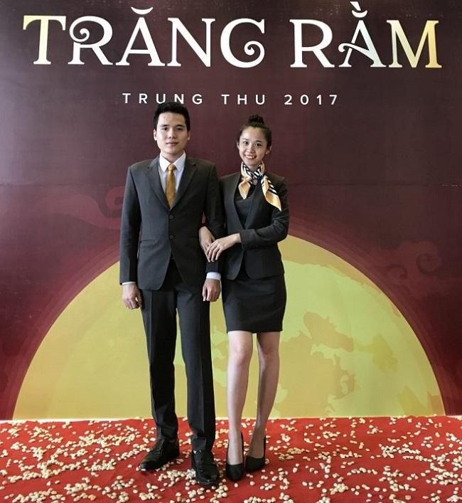 đồng phục nhân viên lễ tân khách sạn Mường Thanh.