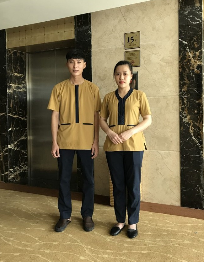 Đồng phục nhân viên tạp vụ - buồng phòng của khách sạn Mường Thanh.