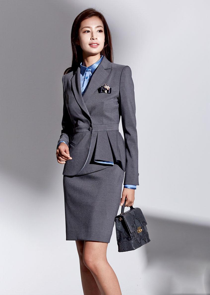 Mẫu đồng phục lễ tân khách sạn 5 sao đẹp