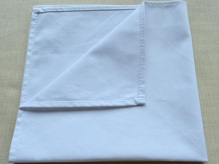 Mẫu khăn ăn napkin nhà hàng khách sạn mầu trắng