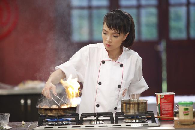 Minh Nhật - cô gái trẻ tài năng và là thí sinh nhỏ tuổi nhất của top 12 đã xuất sắc vượt qua đối thủ đầy kinh nghiệm