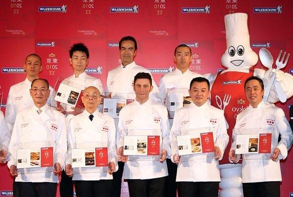 Các đầu bếp Nhật Bản được cẩm nang Michelin trao sao vàng cho nhà hàng mình quản lý