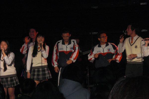 Một buổi liên hoan ca nhạc của trường trung học Âm nhạc Seoul