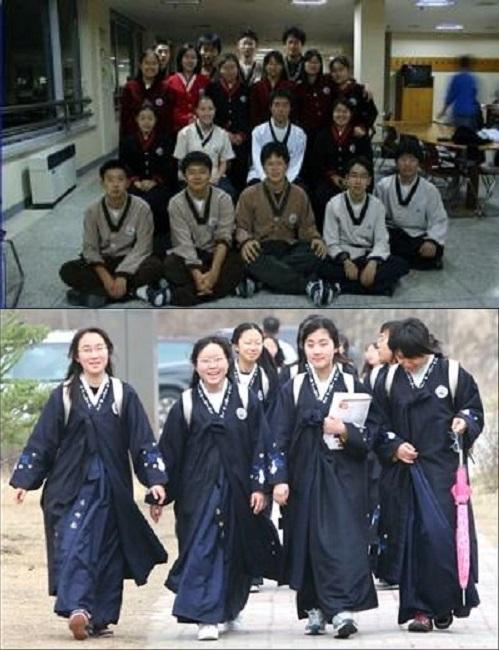 Đồng phục học sinh Hàn Quốc với thiết kế theo trang phục truyền thống.
