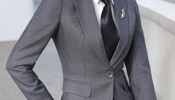 Mẫu đồng phục áo vest nữ đẹp nhất 2017-2018. Ảnh của Mantis.