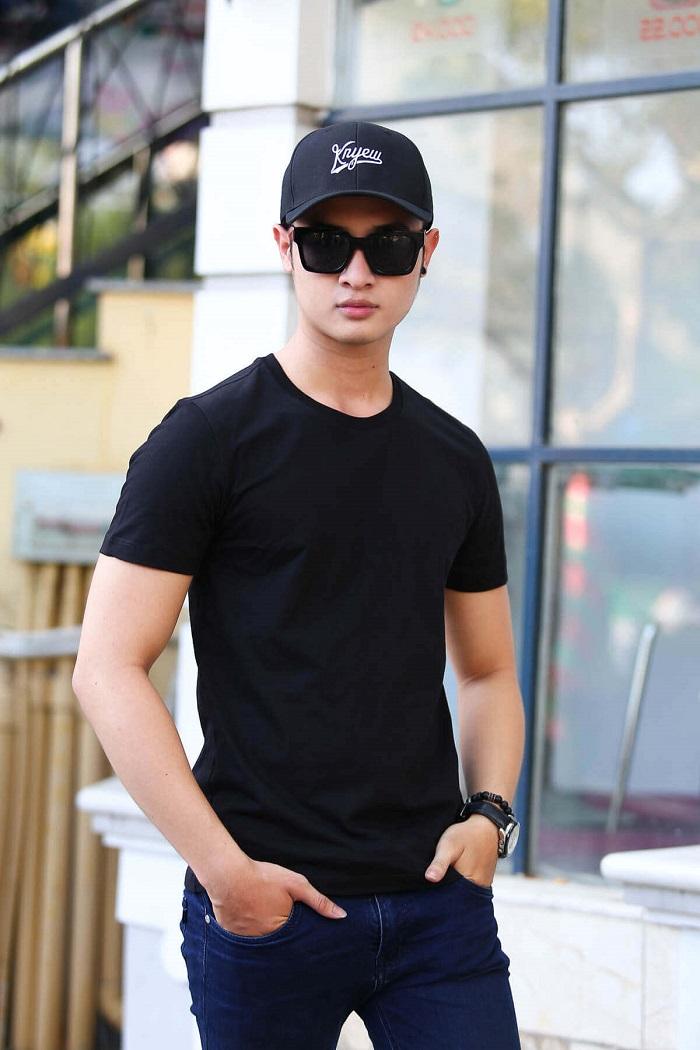 Áo phông nam đen