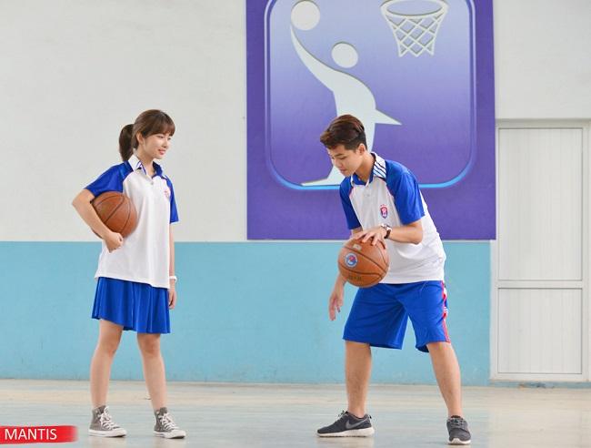 Áo phông đồng phục dành cho các hoạt động thể dục thể thao