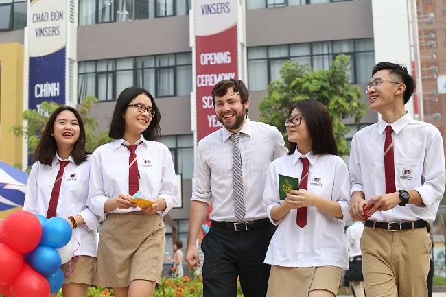 Đồng phục học sinh trường quốc tế Vinschol.