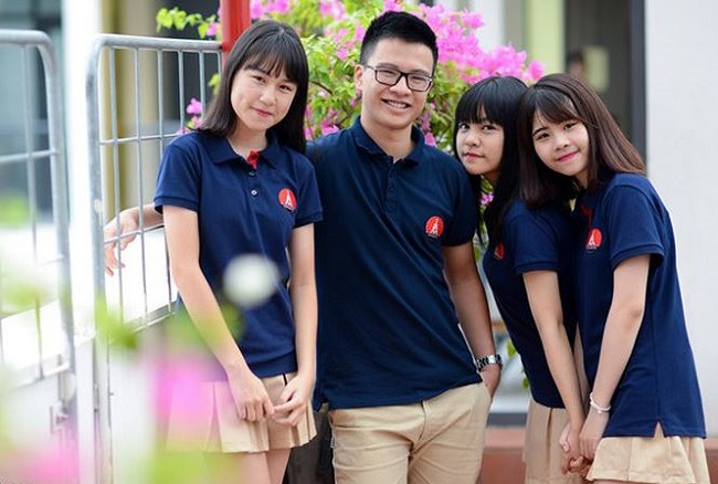 Đồng phục học sinh đẹp của trường Marie Curie Hà Nội