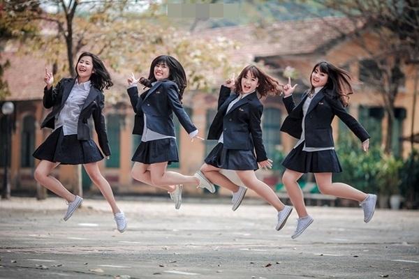 Đồng phục học sinh đẹp của trường THPT Chu Văn An