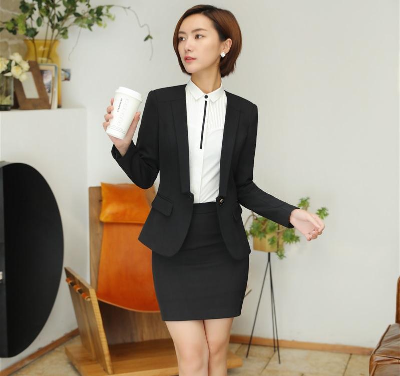 bộ vest nữ trẻ trung