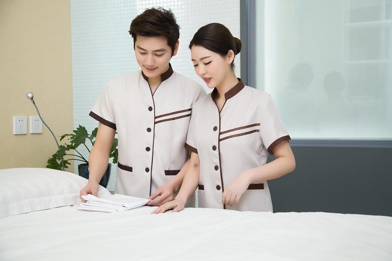 trang phục tạp vụ khách sạn nam nữ