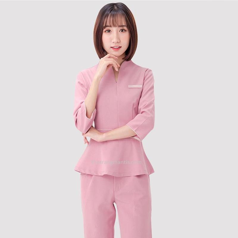 Đồng phục cho nhân viên massage màu hồng tay lỡ