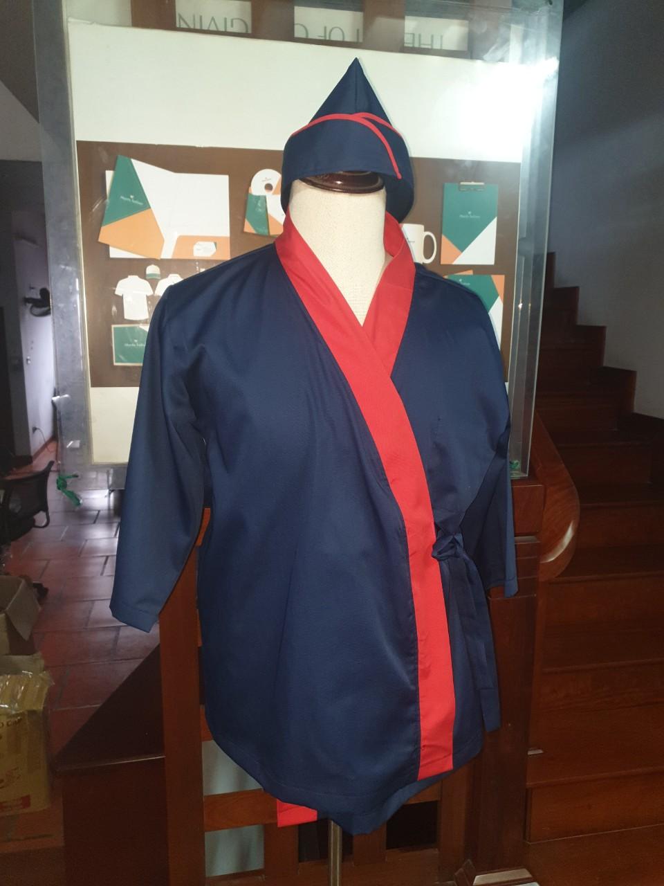 ảnh chụp trực diện áo bếp nhật bán sẵn xanh đen phối đỏ